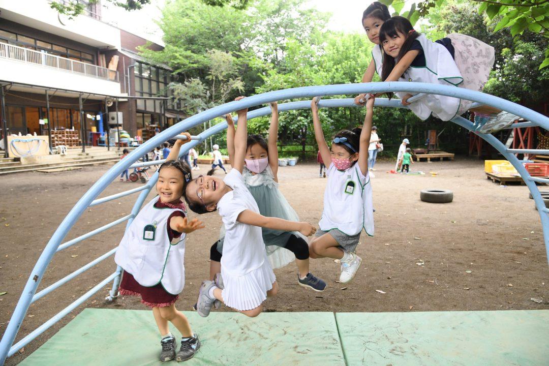 自由な遊び園庭02.jpg